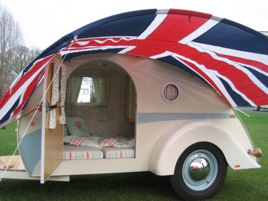 teardrop vintage style camper